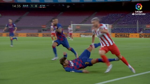 Carrasco, dejando en evidencia a Piqué. VIDEO