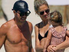 Simeone y Carla Pereyra lucen cuerpos en Formentera