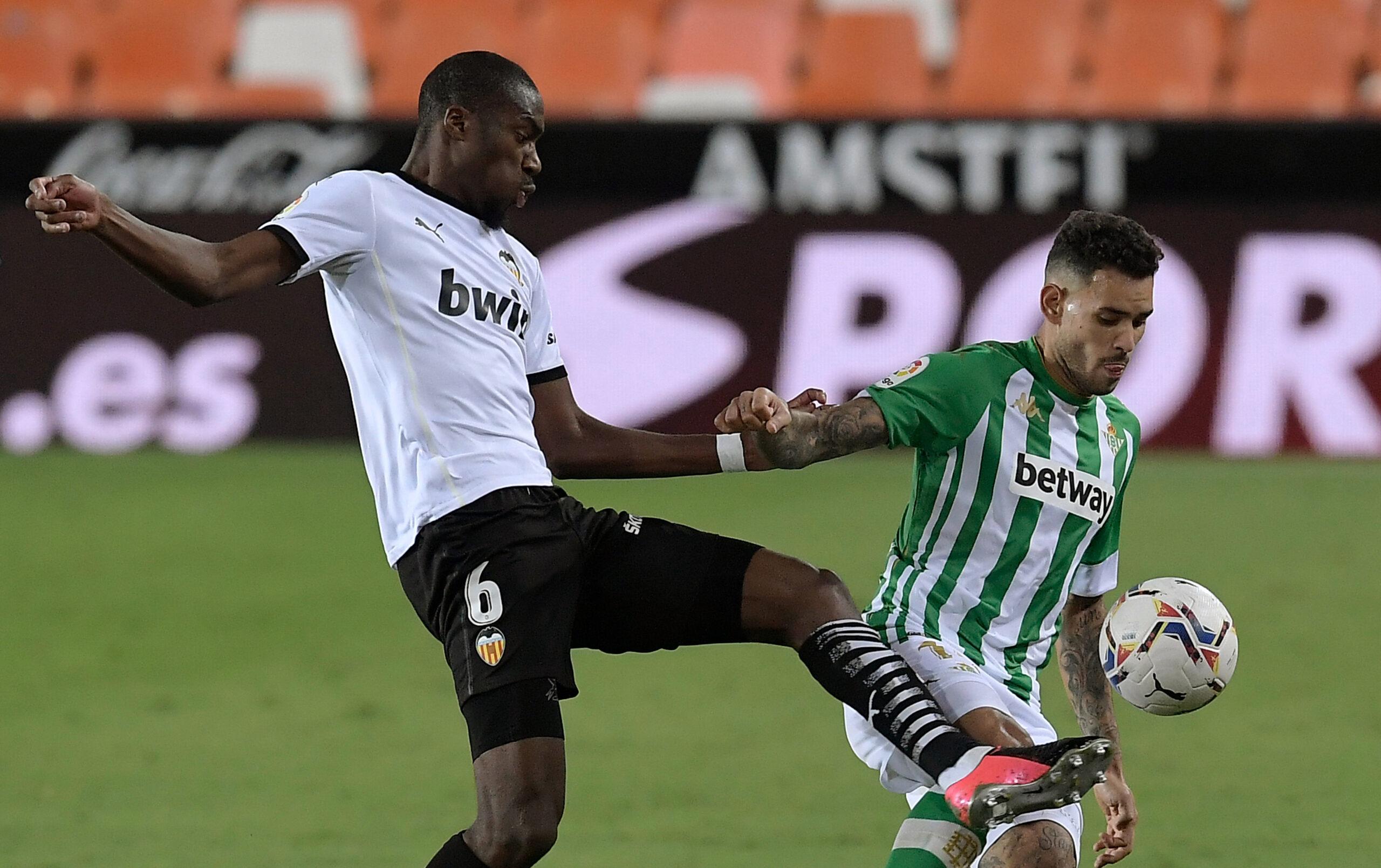 Kondogbia también se cansa de Lim y quiere salir del Valencia.