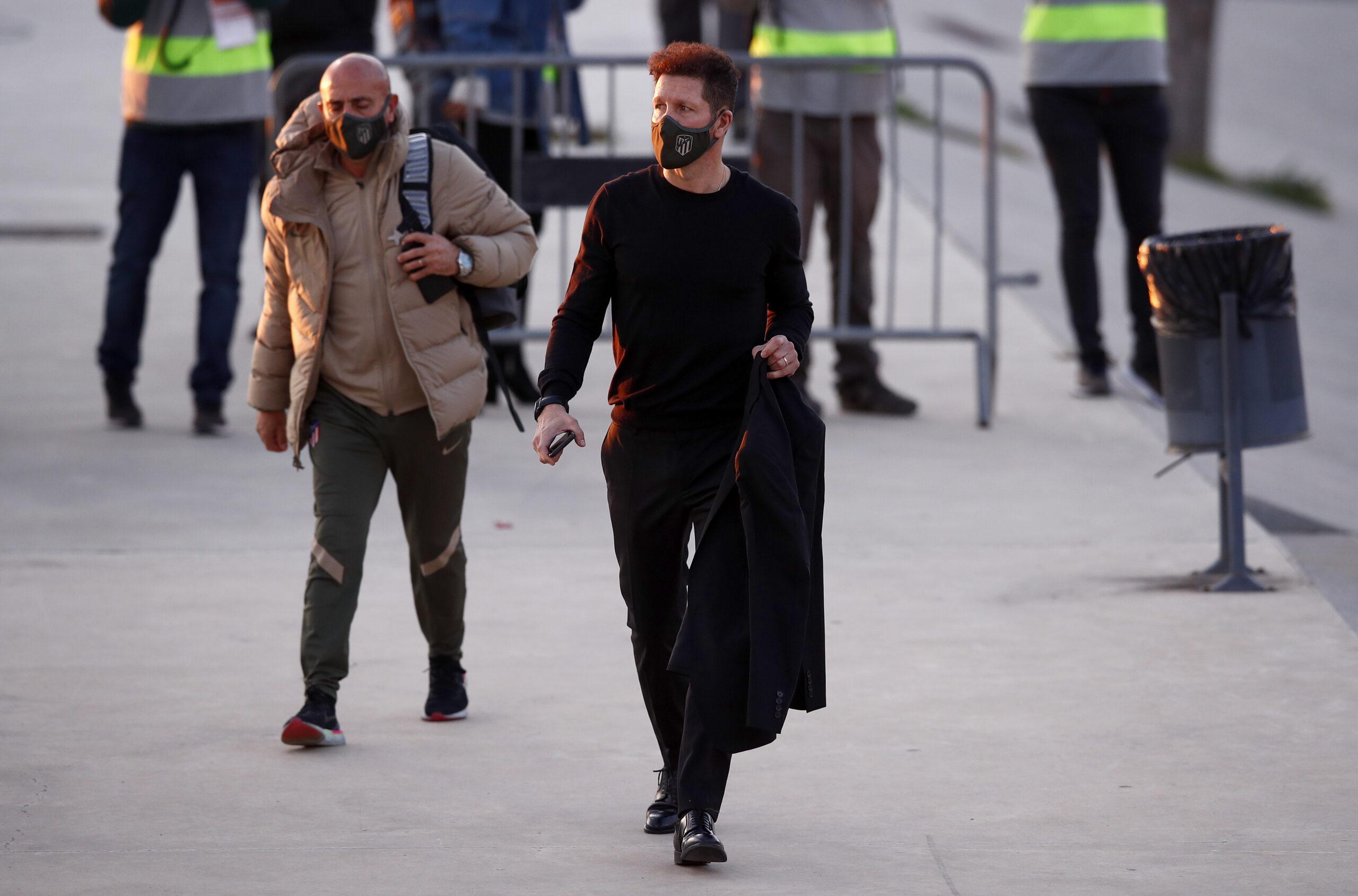 VIDEO: Simeone pone su cargo a disposición del club