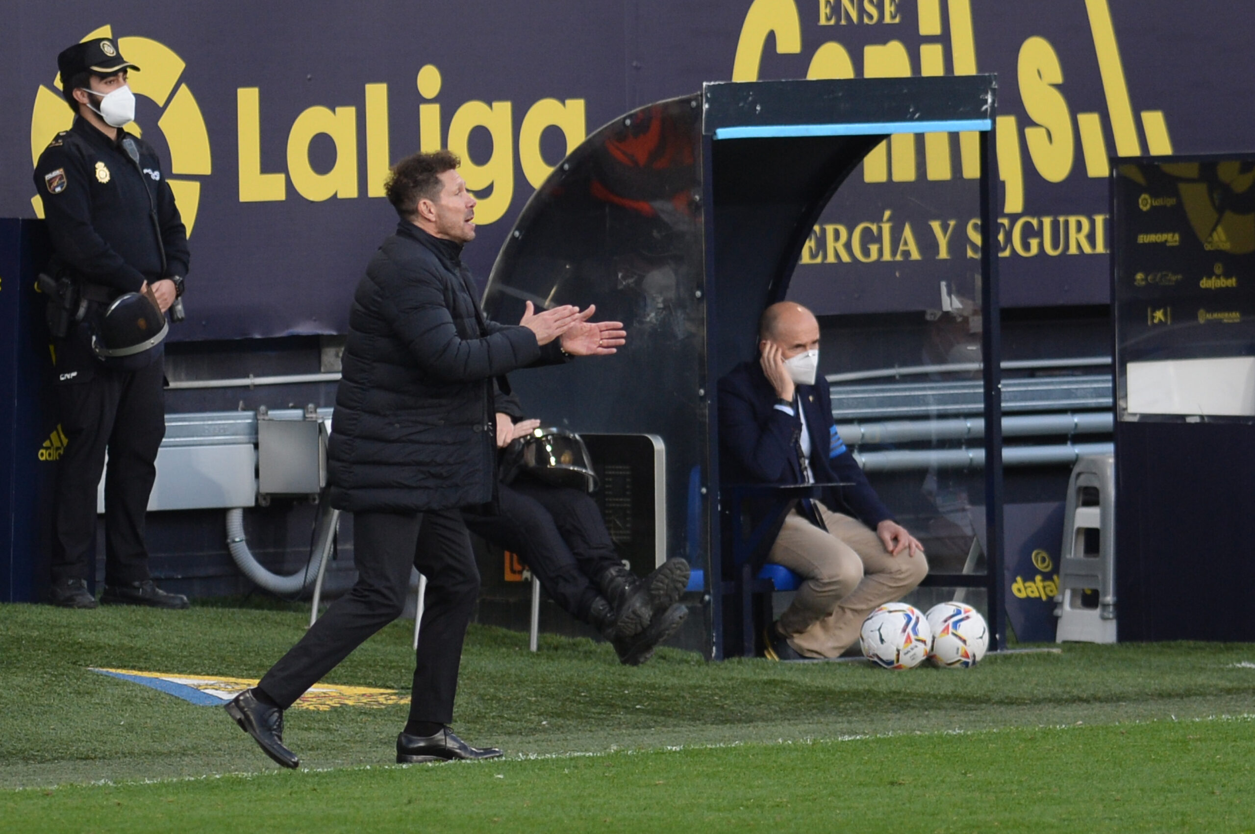 VIDEO: Simeone pide públicamente más a 4 de sus futbolistas