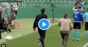 Divertido vídeo de Simeone y Ortega invadiendo el campo en pleno partido