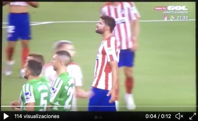 Diego Costa, cazado por las cámaras.