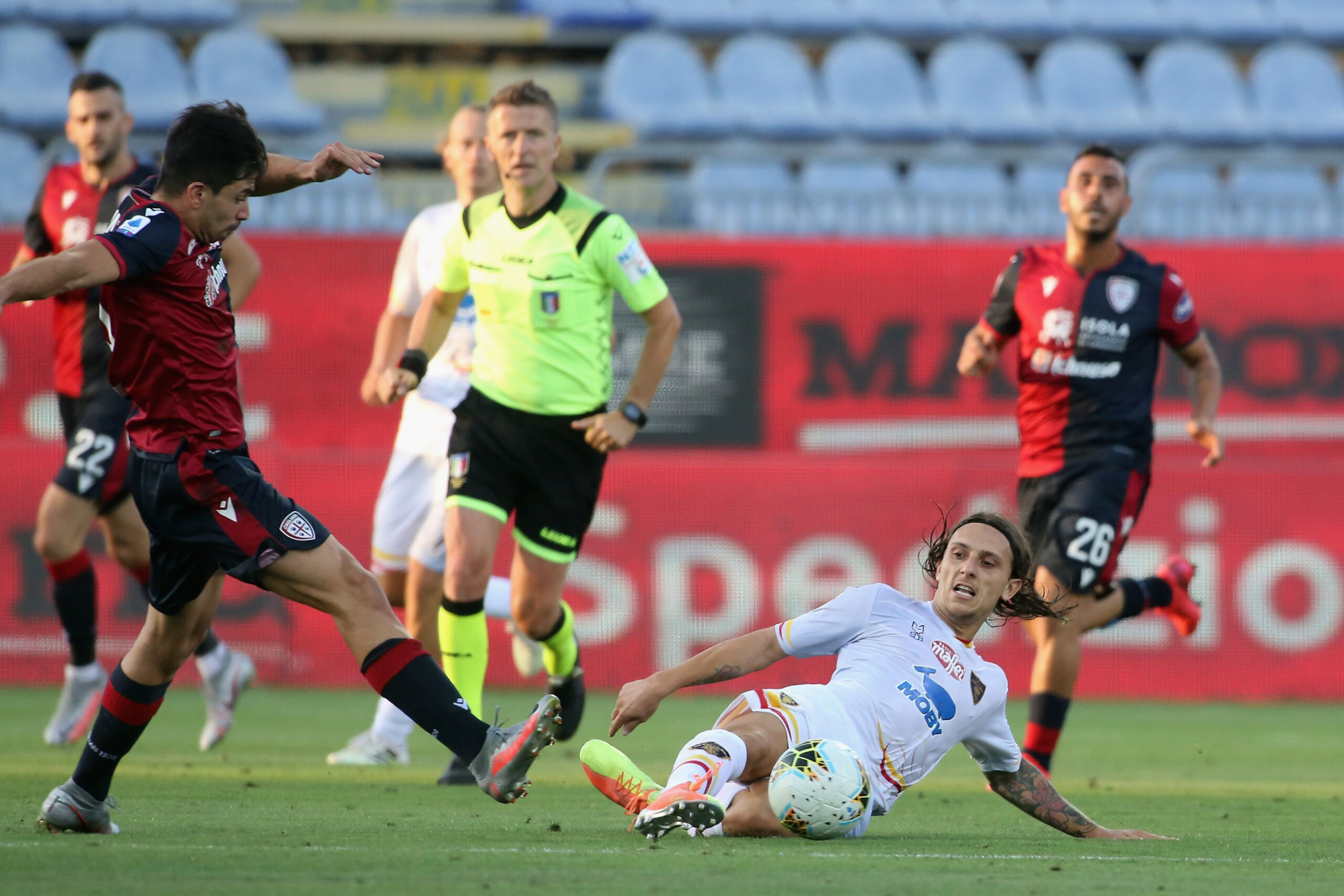 VIDEO: Se ofrece como fichaje para reforzar la delantera de Simeone